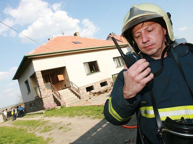 Požár domu v Krakovanech.