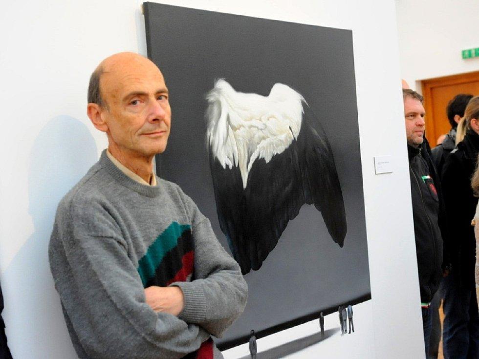 Prostory městské galerie zaplnily obrazy mladého výtvarníka Jana Gemrota