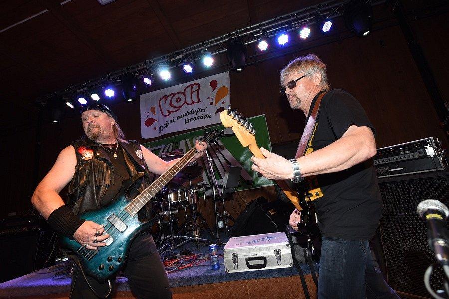V Týnci nakonec vystoupilo jen pět kapel.