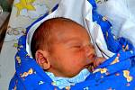 Dominik Jougl se narodil 26. listopadu 2012 mamince Zuzaně a tatínkovi Martinovi. Chlapeček po porodu měřil 49 centimetrů a vážil 3070 gramů. Rodina bydlí v Rostoklatech.