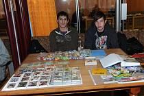 Po měsíci se v sobotu ráno sešli v salóncích kolínského Městského společenského domu opět sběratelé