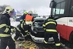 U nehody v Přehvozdí zasahoval vrtulník.