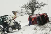 Dopravní nehoda na silnici I/12 u Českého Brodu. 17.2. 2009