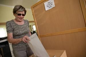 Volby do EP na Kolínsku, volební místnost v obci Tři Dvory