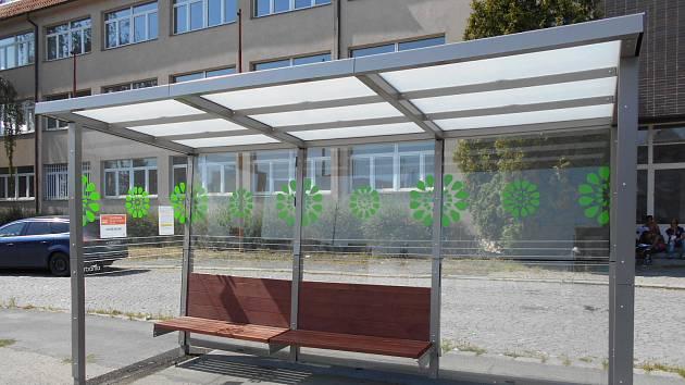 Takového autobusové přístřešky se objeví na šesti zastávkách v Kolíně.