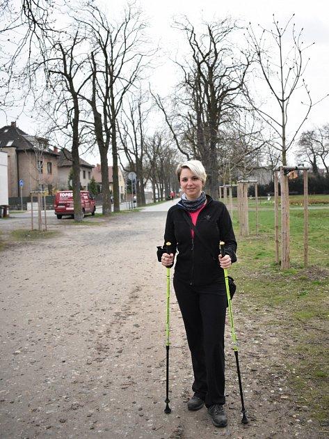 Nordic Walking není jen otom vzít hole a vyrazit. Důležitý je správný postoj