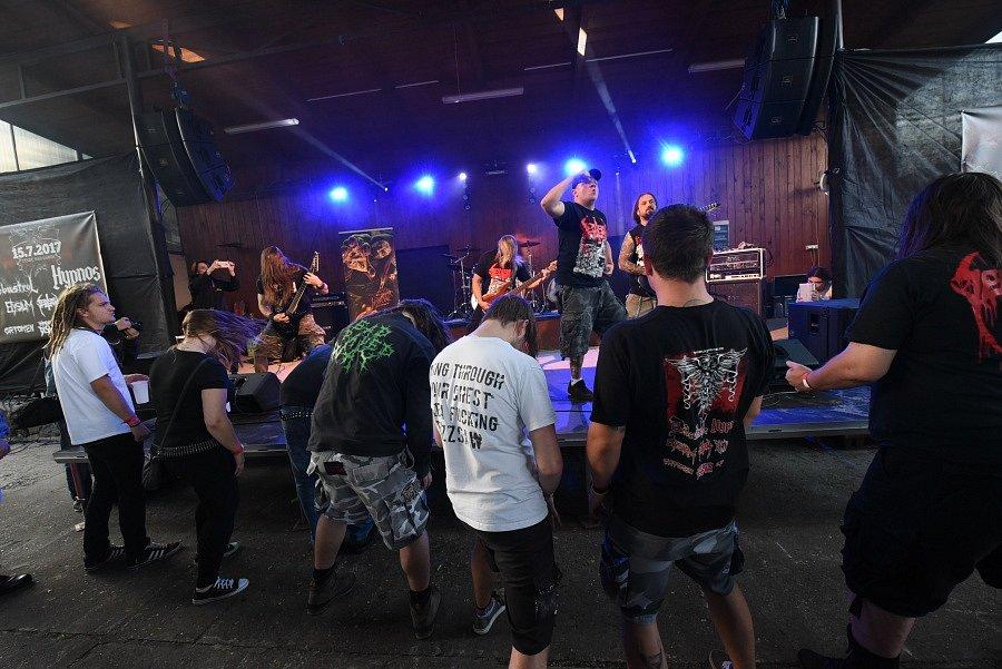 Metalový Týnecký mazec byl letos mezinárodní, nejvíc ale nadchli domácí.