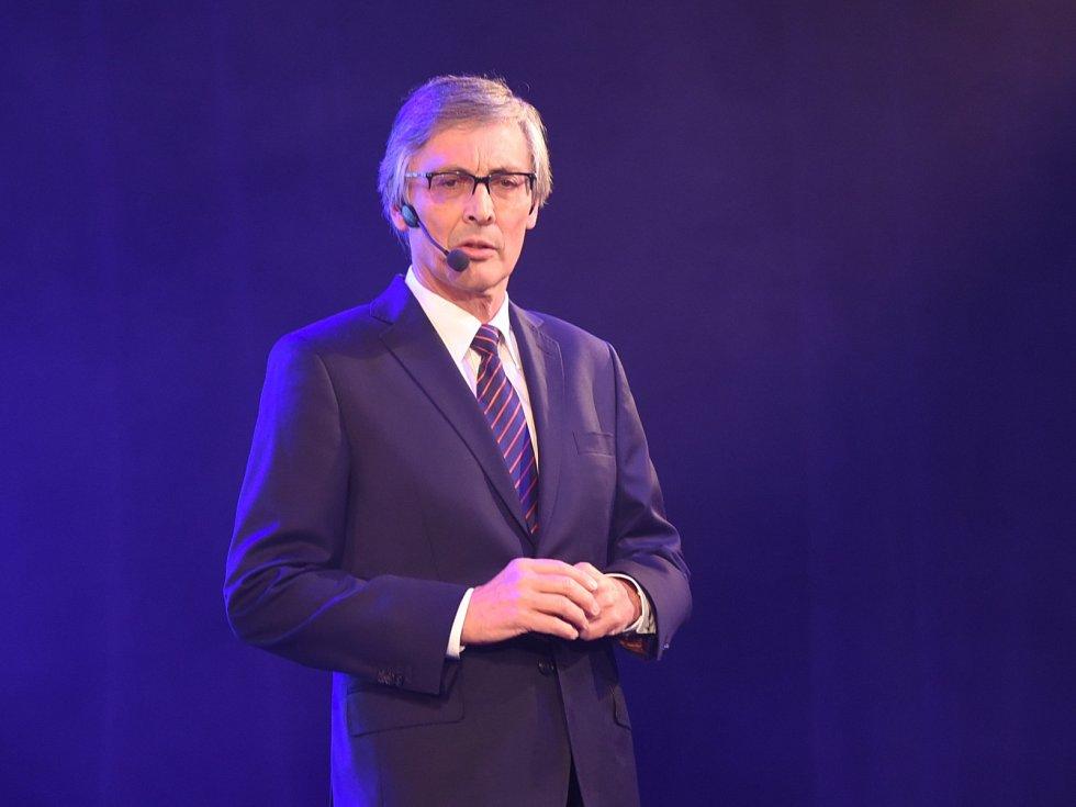 Sportovní komentátor Petr Vichnar na Sportovci Kolína 2015.
