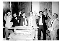Ples Občanského fóra Kolín v roce 1990.