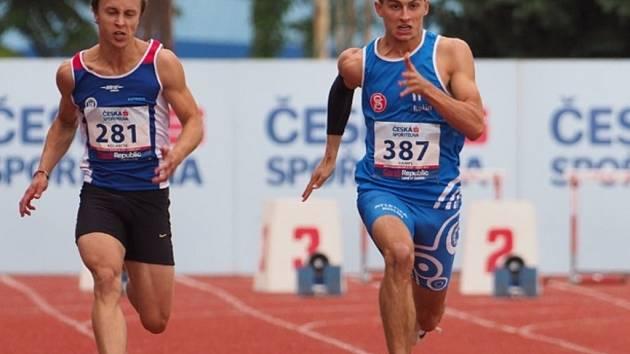 Štěpán Hampl (vpravo) patří mezi naše nejlepší mládežnické sprintery.