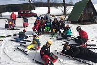 V zasněžených Orlických horách si mladí hasiči z Klučova užili spoustu zábavy.