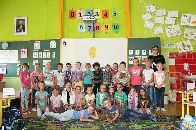 Prvňáčci z5. základní školy Kolín.