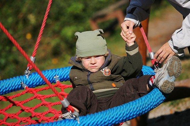 Otevírání nově upraveného dětského hřiště v Borkách