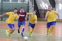 Z pohárového utkání Borky liga - Olympik Mělník (4:7).