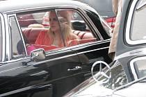Setkání příznivců značky Mercedes Benz v areálu Vodního světa Kolín