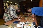 Po měsíci se opět sešli sběratelé známek, mincí a pohledů.