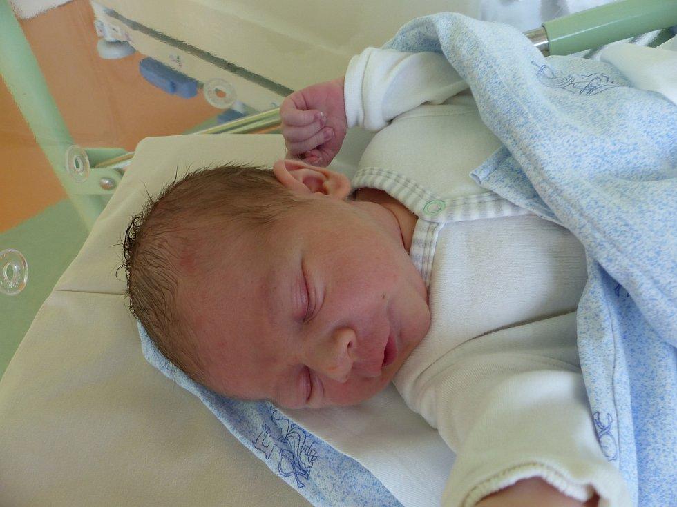 Oliver Kratochvíl se narodil 16. října 2019 v kolínské porodnici, vážil 3735 g a měřil 52 cm. Ve Veltrubech bude vyrůstat s maminkou Michaelou a tatínkem Janem.