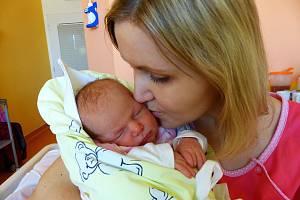 Natálie Zelinková se narodila 18. března 2019, vážila 3055 g a měřila 50 cm. V Kolíně ji přivítala sestřička Karolína (3) a rodiče Michaela a Lukáš.