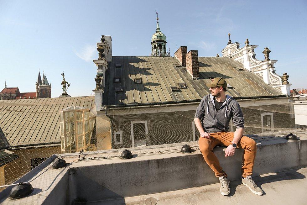 Radnice v Kolíně: horní střecha. Na snímku Michal Pazdera.