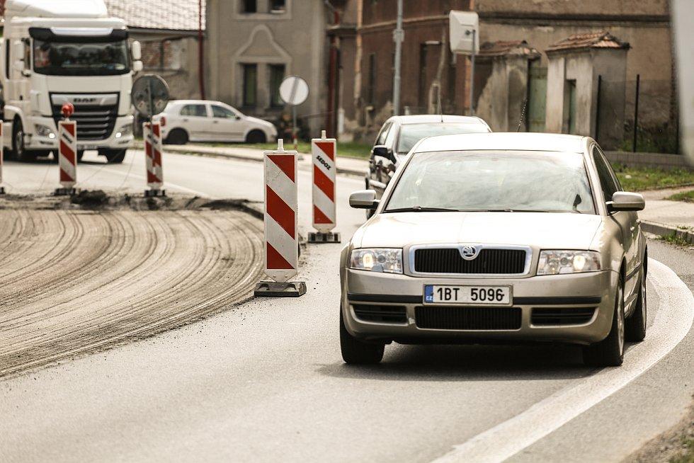 Práce na silnici v Nové Vsi I.