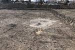 Každé kopnutí do země může být překvapením, říkají archeologové.