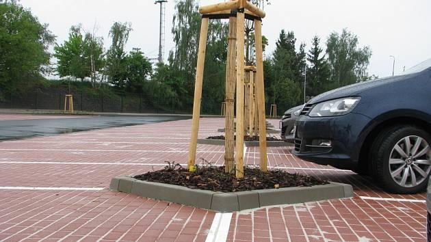 Slavnostní otevírání dalšího parkoviště u nádraží v Českém Brodě
