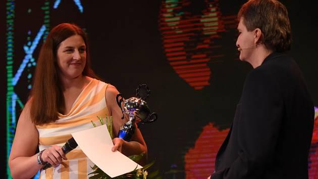 Kateřina Šafránková v rozhovoru s moderátorem Jaromírem Bosákem.