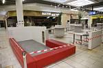 Zavřené stravovací prostory kolínského Obchodního centra Futurum.