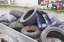 V okolí Radimku a Cerhýnek se našlo mimo jiné i třináct vyhozených pneumatik.