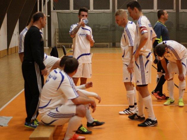Krajský futsal  Kolín zahodil druhou výhru a je na odpis - Berounský ... ee2d6b97c3