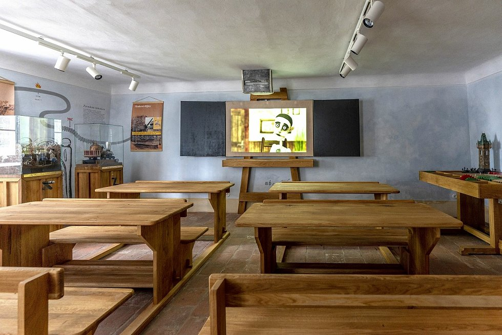 Stará škola - expozice v areálu Bartolomějského návrší v Kolíně.
