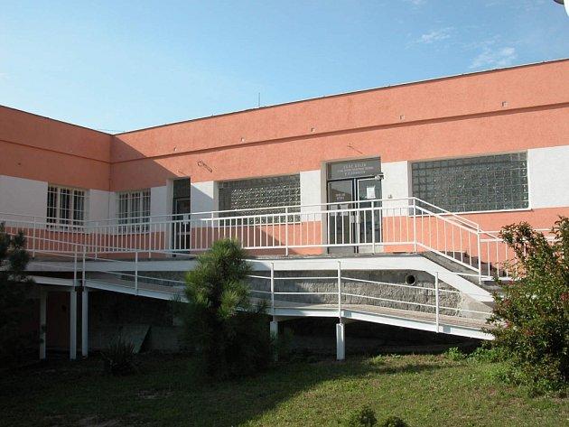 Budova plaňanského střediska v novém