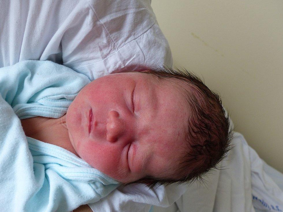 Jan Karel Růžička se narodil 29. listopadu 2020 v kolínské porodnici, vážil 3785 g a měřil 52 cm. V Kutné Hoře se z něj těší sestřičky Terezka (11), Anička (6) a rodiče Tereza a Jan.