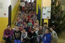 Pečecká škola opět uspořádala sbírku pro stanici
