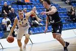 Z osmifinálového utkání Českého poháru BC Kolín - Děčín (104:99).