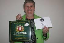 Ivana Hladíková z Bělušic získala karton piv značky Rohozec a poukázku v hodnotě 100,- Kč do kolínské kavárny Kristián.