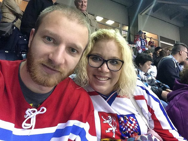 Tereza Marvánková Hölzlová na hokeji.