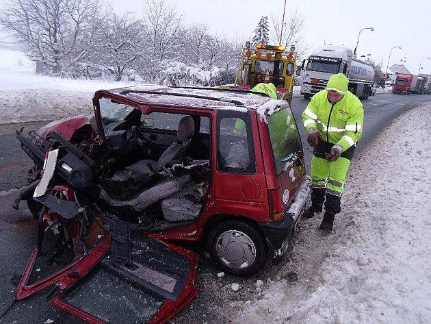 Vážná dopravní nehoda v Kolíně na Šťáralce, 12.1.2010
