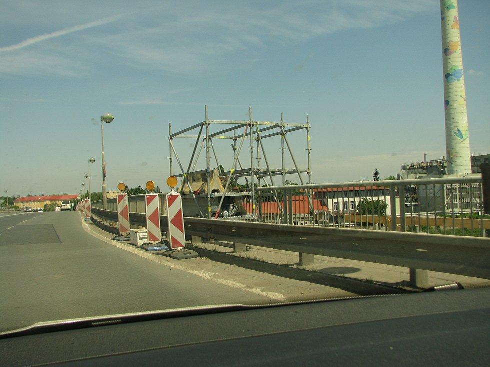 Rekonstrukce Nového mostu v Kolíně.
