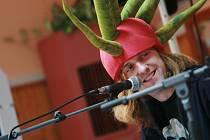 Kapela Kašpárek v rohlíku zahrála na kolínském gymnáziu