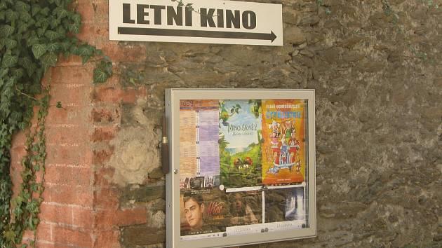Letní kino v Kolíně najdete nad Ztracenou uličkou.