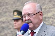 Kolíňáci se sešli v Praze na odhalení pamětní desky Josefa Mašína