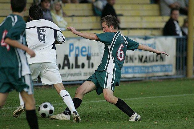 Z utkání FK Kolín - Beroun (2:2).