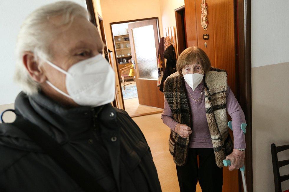 Z oslavy stých narozenin bývalé primářky Naděždy Řehákové v Penzionu Barborka v Kouřimi.