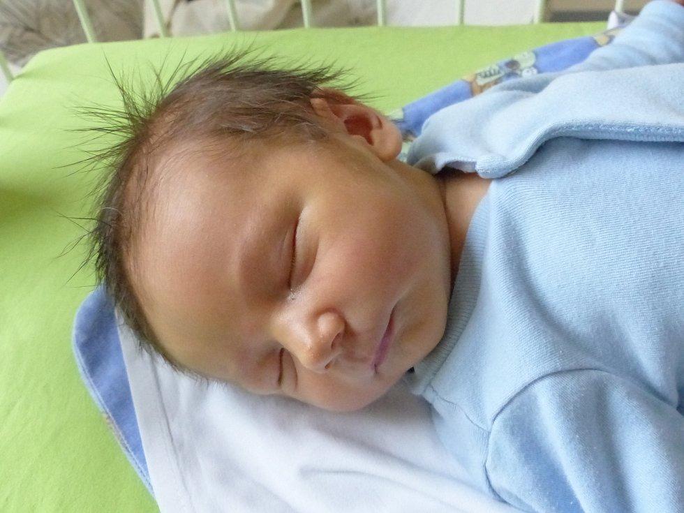 Matěj Rýgl se narodil 21. listopadu 2020 v kolínské porodnici, vážil 3845 g a měřil 52 cm. V Sokolči bude vyrůstat s bráškou Kubíčkem (3) a rodiči Jaroslavou a Martinem.