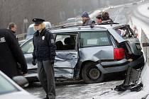 Dopravní nehoda u odbočky na Novou Ves I směrem z Kolína. 2. 1. 2009