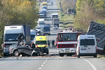 Smrtelná nehoda na silnici I/12 u Českého Brodu. 20. října 2008