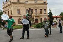 Z poklidného protestu v Českém Brodě 9. června 2020.