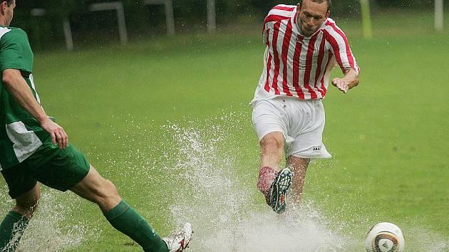 Z přípravného fotbalového utkání Zásmuky - Zápy