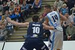 Z utkání nadstavby BC Geosan Kolín - Děčín (73:81).